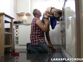 Unfaithful housewife Lara Latex pulls up dress for getting cunnilingus