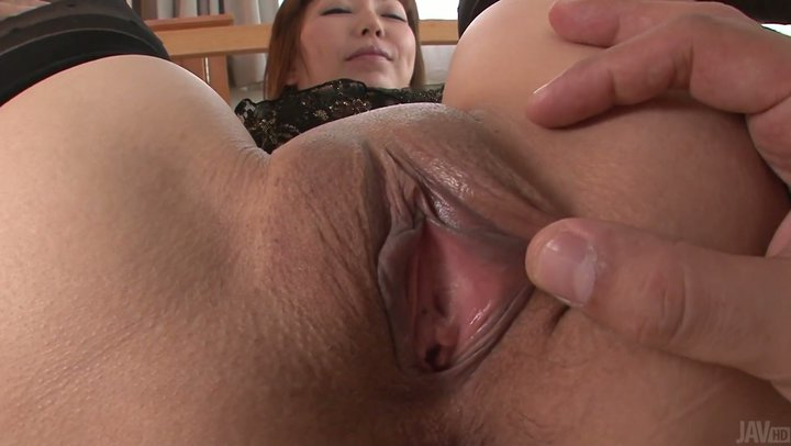 Mature english finger squirter