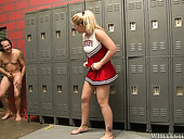 Sporty cheerleader is screwed hard in a changing room