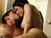 Romantic hot brunette India Summer wakes up her boyfriend by giving a blowjob