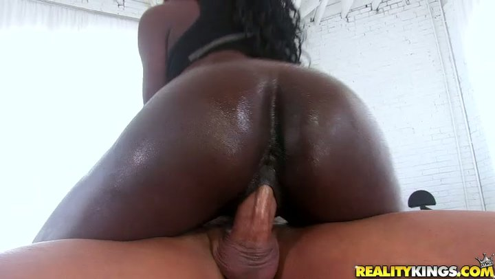 Ebony Dick Riding Creampie