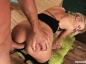 Anal sex fan named Bianca shows off her skills in all the glory