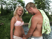 Shabby blond amateur pleases a horny dude with blowjob
