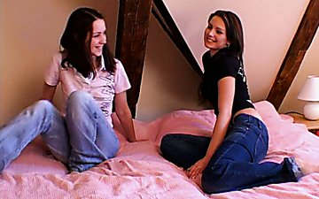 Three hot teen lesbians undress to eat each other's juicy pussies for orgasm