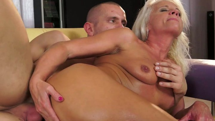 videos Hardcore granny sex