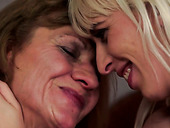 Lustful mature mommy is getting her cunt licked before finger fucking her lover