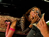 Trashy black slut Marie Luv gives deepthroat blowjob in the bath