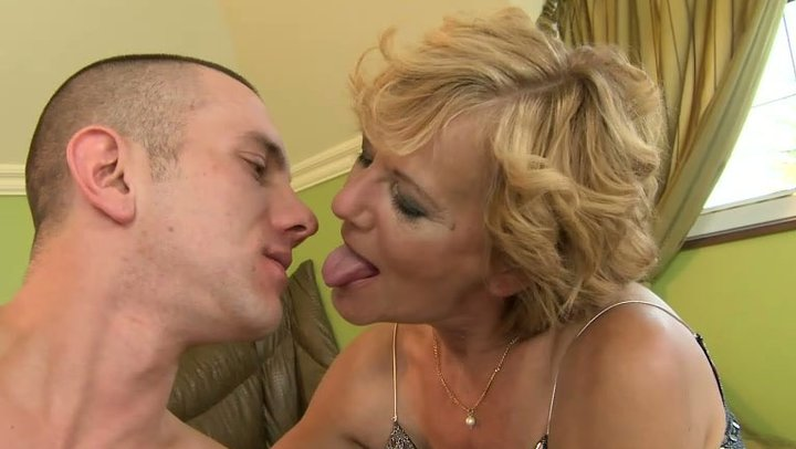 Small tit blonde cums with dildo 4