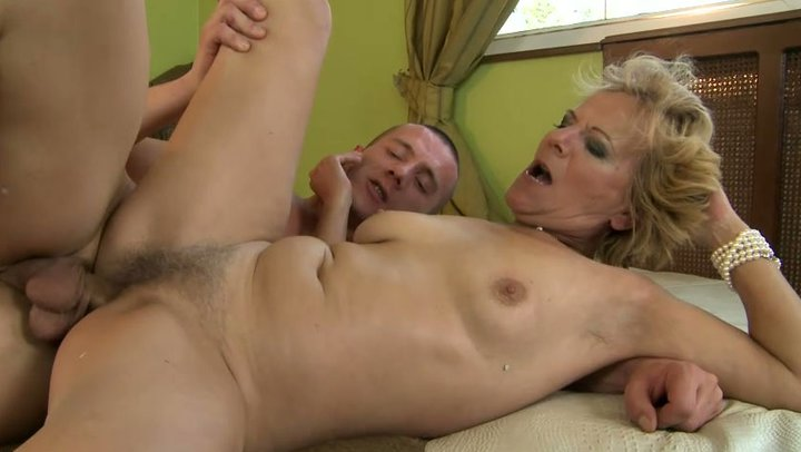 Old women hairy vagina