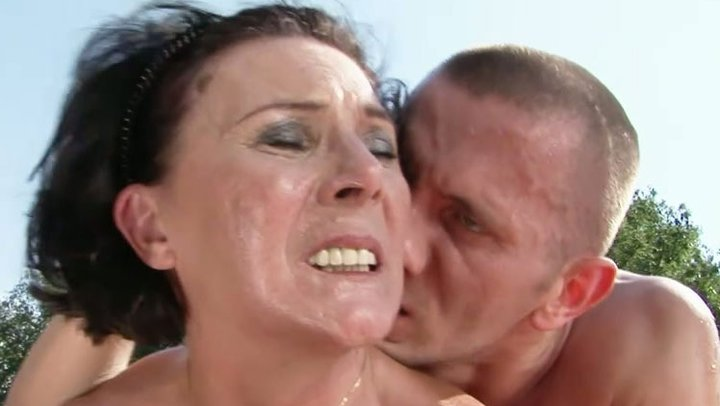 Mature old women fucked me