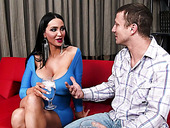 Latina sex queen Amy Anderssen gave a nice blowjob to her friend