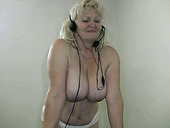 Sex-starved granny with big juicy boobs wants to stay in shape