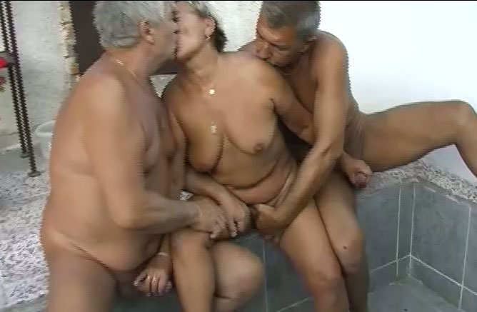 Old threesome sex