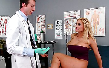 Busty blondie Shyla Stylez makes her gynecologist lick her pussy