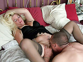 Sexy mature woman gets her pussy expertly eaten out