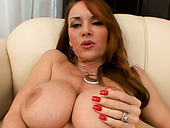 Bootylicious chick Janet Mason masturbates in front of her lover
