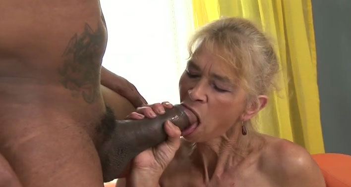 Hot ebony screwed by huge black cock in her ass 5