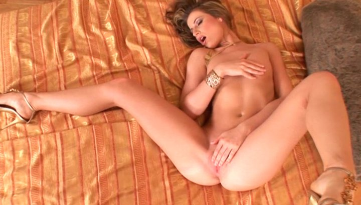 wide legs Gorgeous blonde spread