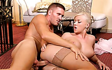 Busty stacked blondie in nude stockings got button fucked in sideways pose
