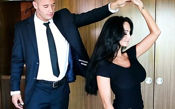 Big breasted cougar Ava Addams makes young man eat her juicy pussy