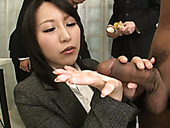 Office slut Yuuna Hoshisaki gives blowjob in the presence of co-workers