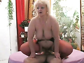 This fat ass granny gets her thick fuckhole pounded nicely