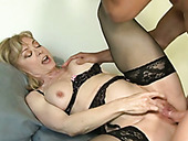 Hot mature slut is having her insatiable sexual appetite taken care of