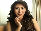 Experienced Japanese MILF Maria Yuuki gives an interview