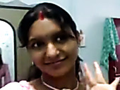 Dirty-minded ugly Indian married woman flashes her big tits in bra on cam