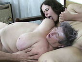 Pale ugly brunette fatso and wrinkled old bitch fingerfuck each other's cunts