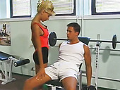 This slut is getting down and dirty with her fitness instructor in the gym