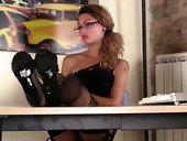 Marvelous chick Thena shows her feet during lunch break