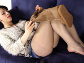 Amateur brunette girl Bianca in uggs teasing with her feet