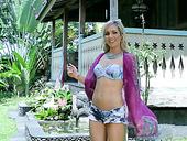 Slim porn actress Skye Bee masturbates pussy outdoor