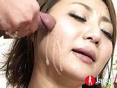 Yuu Shiraishi masturbates slit with vibrator and gives blowjob to a trio of dudes