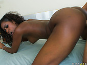 Booty ebony girl Hydie Waters gets fucked