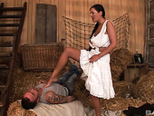 Foot fetish stud fucks village girlfriend Tereza Llova and cums on her feet