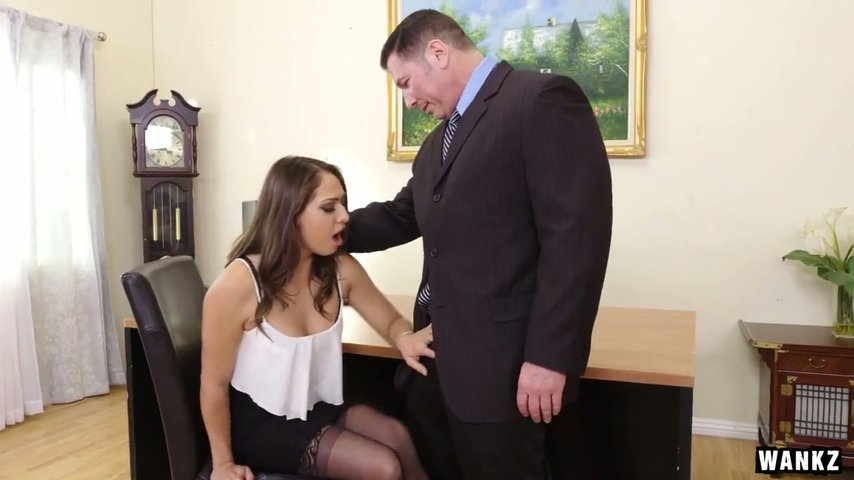 Sucking boss cunt