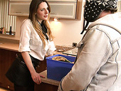 Fucking hot bitch Samantha Bentley is fucked in the kitchen