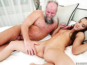 Old fart licks and fucks tasty looking muff of naughty hottie Anita Bellini