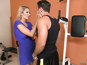 Seductive milf Deanna Dare enjoys having crazy nookie at the gym