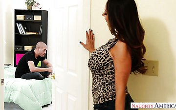 Well stacked hoochie Ava Addams seduces stepson and gets her muff rammed