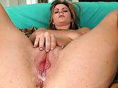 Nasty American housewife Keiyra Lina with flabby tits get creampied