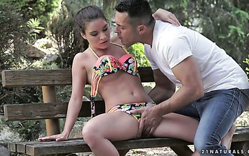 Beautiful sex with full natural babe Anita Bellini in the garden