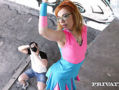 Kinky four eyed red head Kira Roller gets her muff slammed