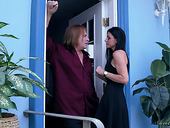 Hot and voluptuous milf India Summer is leaving her husband