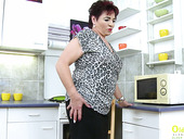 Kinky old nanny Matilda is dildo fucking her worn out cunt
