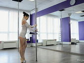 Russian flexible pole dancer Irina Brovkina shows striptease