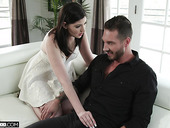 Sizzling wife Jennifer White gives a great blowjob and gets her muff nailed