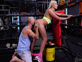 Fitness milf Angelika Grays gives a rimjob and gets her anus fucked in the ring